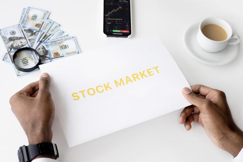 Perusahaan yang Mengalami IPO